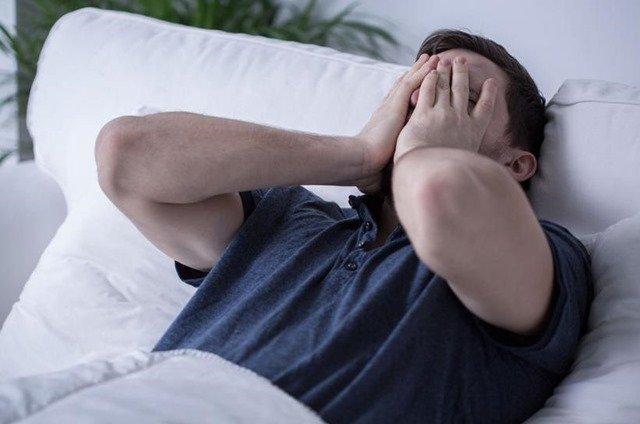 sindrome-piernas-inquietas-insomnio
