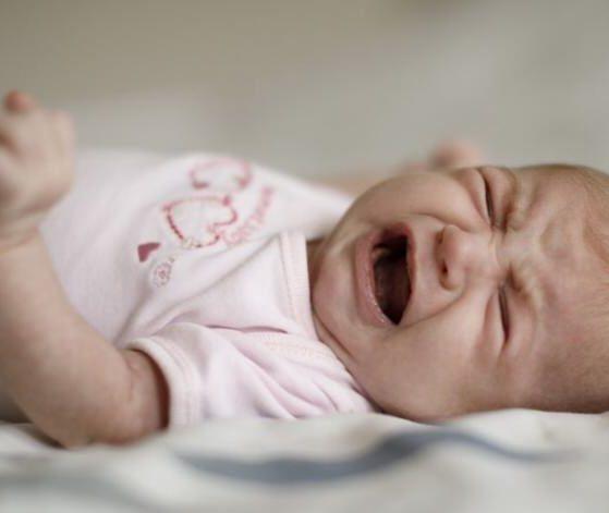 Cuáles son los síntomas que ayudan a saber que el bebé tiene hambre