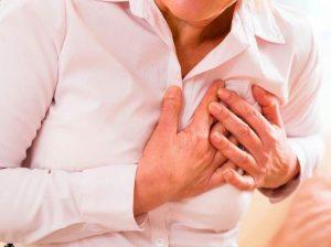 Infarto o paro cardíaco: señales de alarma y síntomas típicos