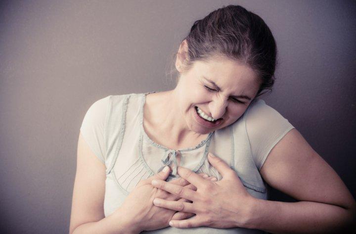 Signos de alarma de infarto en la mujer