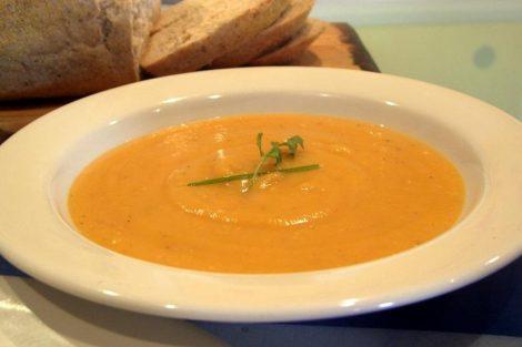 Cómo hacer sopa de polenta