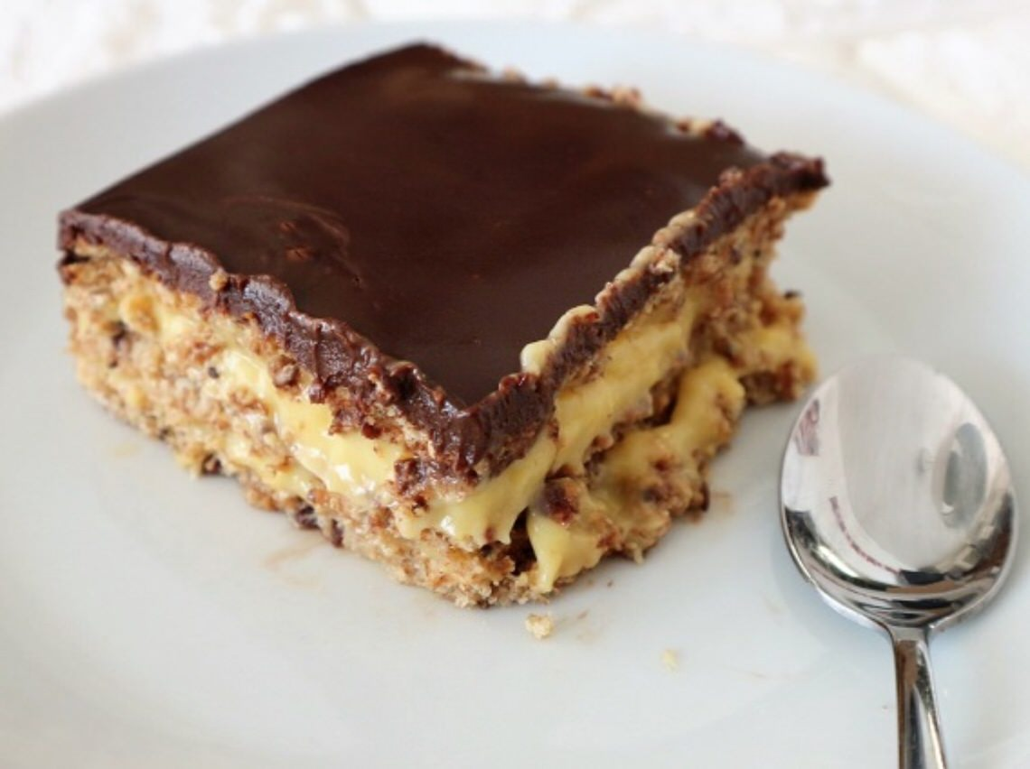Tarta de chocolate, galleta y natillas