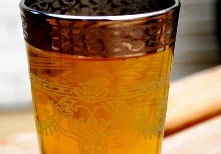 Cómo hacer un té moruno