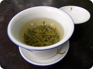 Consecuencias de tomar té verde en exceso