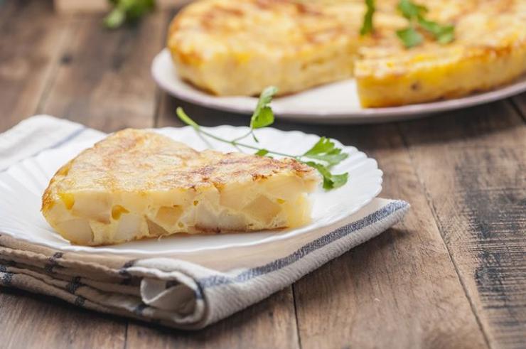 Receta de tortilla de patatas con cebolla vegana