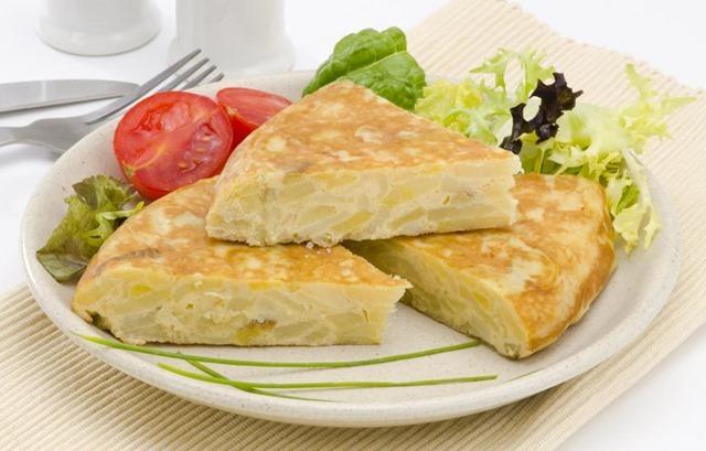 Tortilla de patatas sin huevo, ideal para veganos