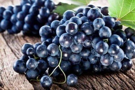 4 remedios de belleza con uvas para la piel, cabello y labios