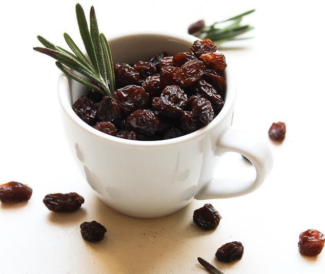 Beneficios de las uvas pasas en ayunas