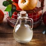 Vinagre de manzana para las liendres y piojos del niño