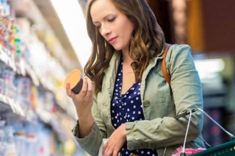 Cómo elegir el yogur más saludable cuando estés en el supermercado
