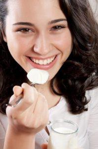 Los beneficios del yogur para la flora vaginal de la mujer