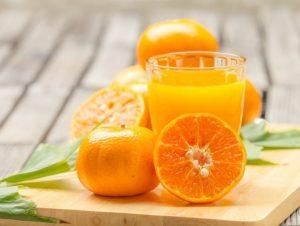 Por qué es mejor comer naranjas enteras en lugar de zumo